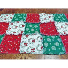 Christmas Rag Quilt Table Runner - Wreaths And Candy Canes