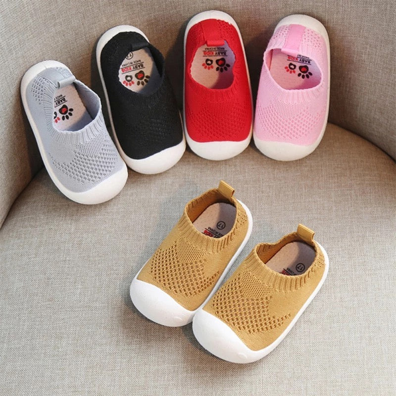 Casual Girls Boys Mesh Comfortable Non Slip Soft Shoes - bump, baby and beyond