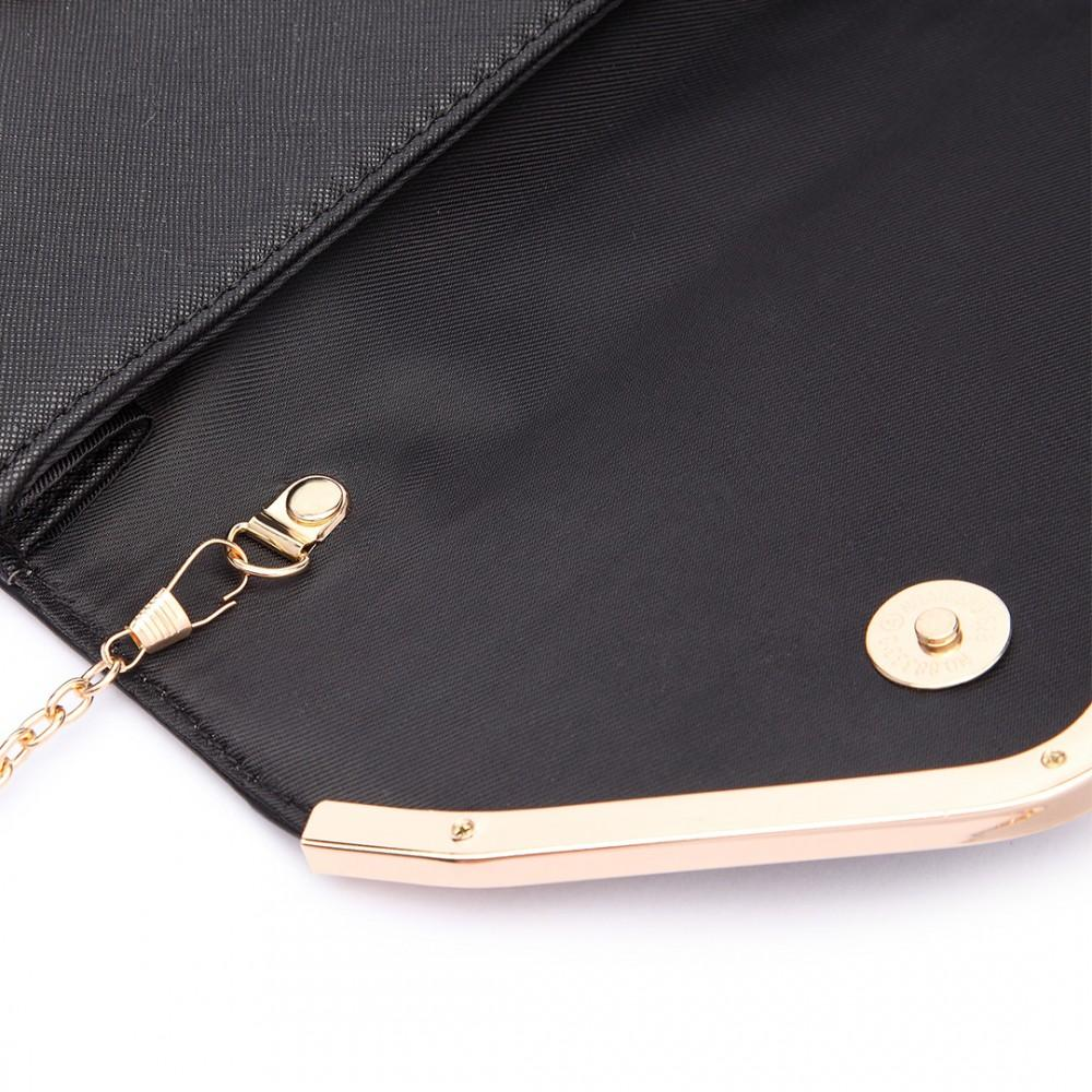QUILTED ENVELOPE CLUTCH BAG BLACK