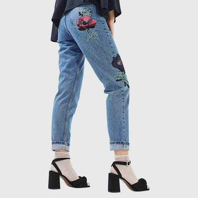 Medium Rise Straight Cut On-Trend Floral Embroidery Jeans