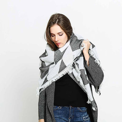 Striking Geometric Print Scarf