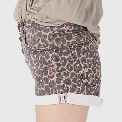Regular Waist Rocking Leopard Print Shorts