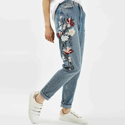 Medium Rise Straight Cut Cute Floral Embroidery Jeans