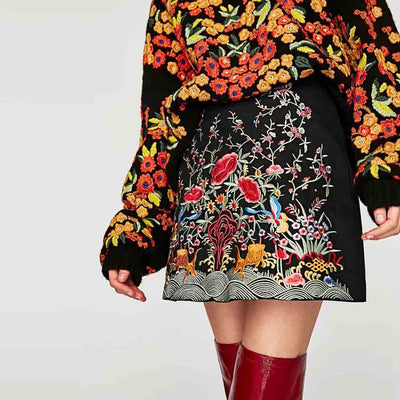 Medium Rise Pretty Floral Embroidery Skirt