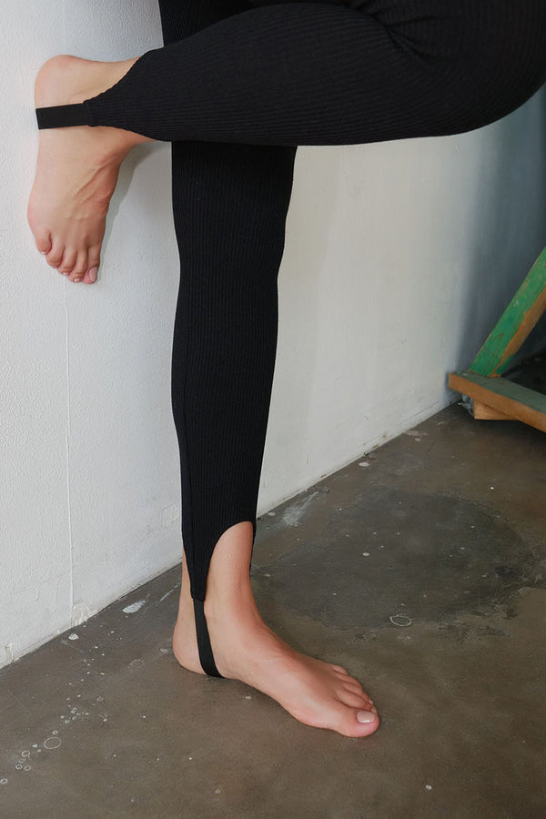 Mass Rib Elastic Band Stirrup Pant