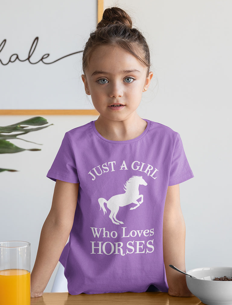 Just A Girl Who Love Horses Youth Kids Girls' Fitted T-Shirt