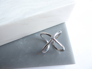 Sterling Silver Cross Cross Ring With Crystal