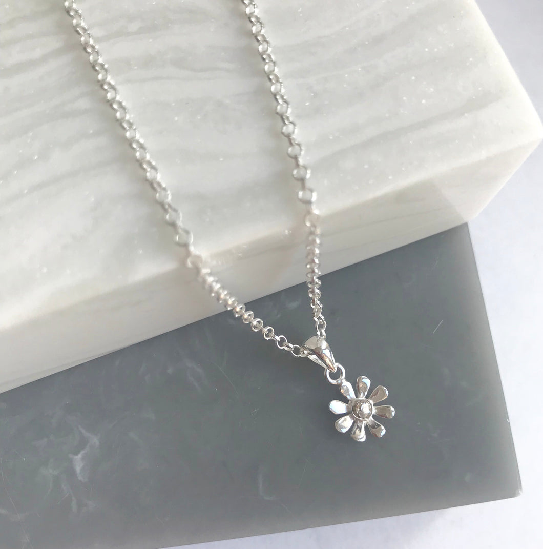 Sterling Silver Tiny Daisy Necklace