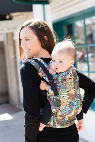 Eye Spy - Free-to-Grow Baby Carrier
