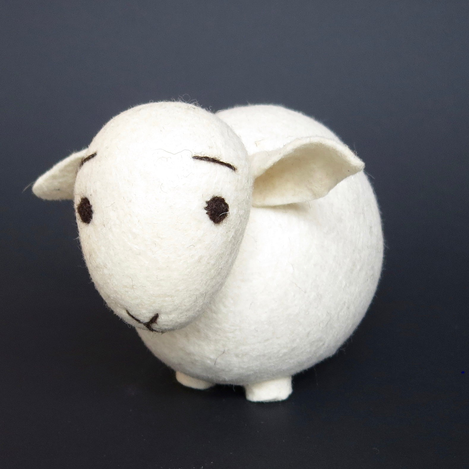 Natural Wool Sheep (White)