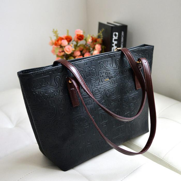 Large Capacity Patterned Black Handbag
