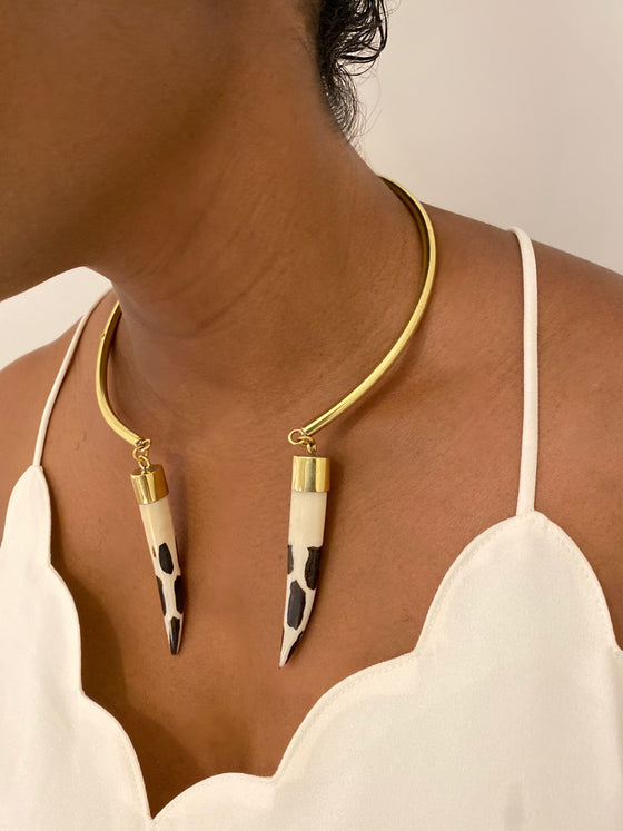 Tear Drop Cow Horn Choker-Safari