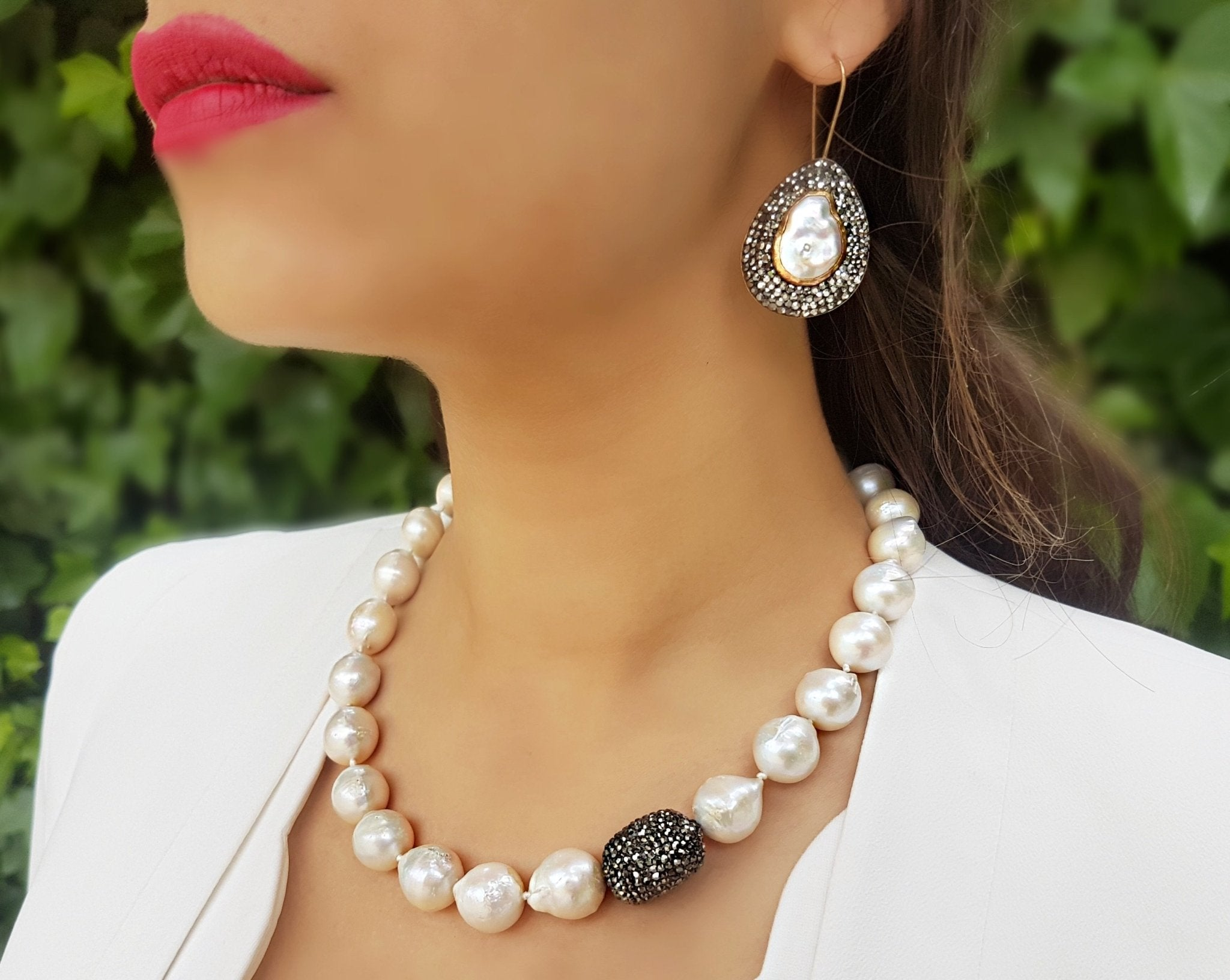 MONROE PEARL NECKLACE - The Clothing LoungeChakarr