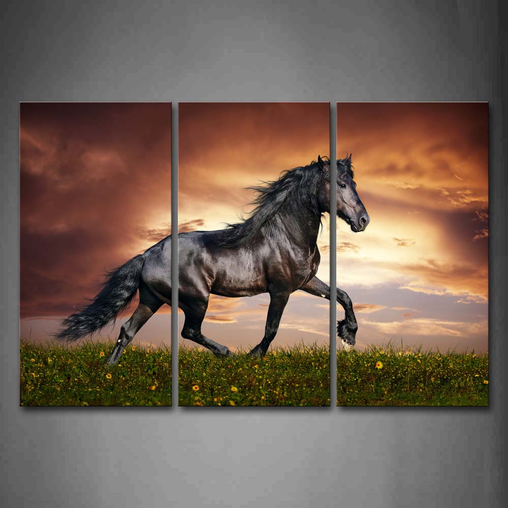 Black Horse Run On Lawn With Flowers Wall Art Painting The Picture Print On Canvas Animal Pictures For Home Decor Decoration Gift