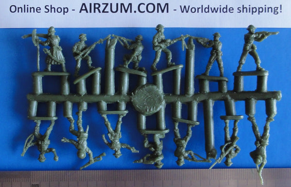 Sprue 1/72 Strelets R WWII Early American Soldiers Plastic Figures Strelets M105