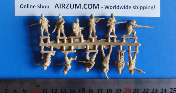 Sprue 1/72 French Marines 12 Plastic Figures Red Box RB72026