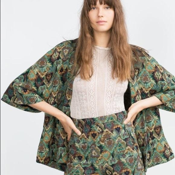 Zara tapestry kimono coat at Manifesto Woman #manifestowoman