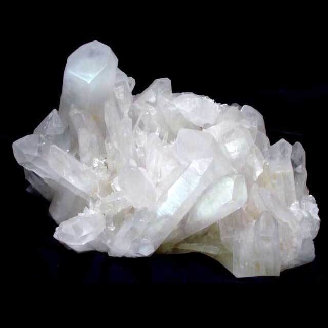 Milky Quartz: Strong & Pure Healing Stone That Helps You Declutter!