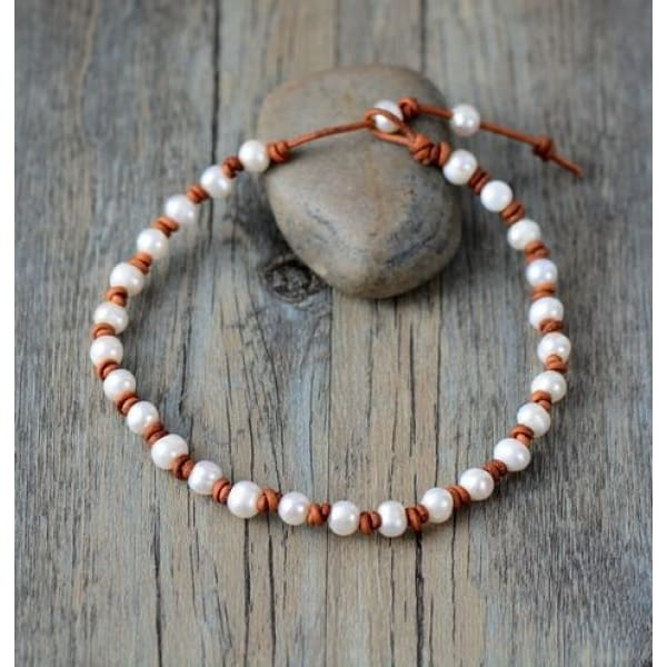 Freshwater Pearl Choker Leather - Necklace