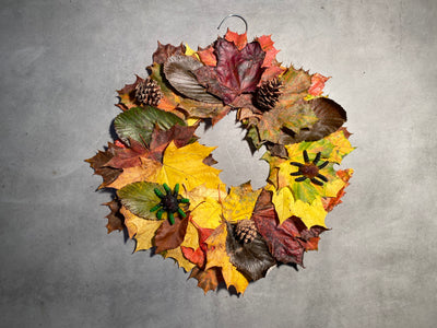Halloween at home: How to make a Halloween wreath