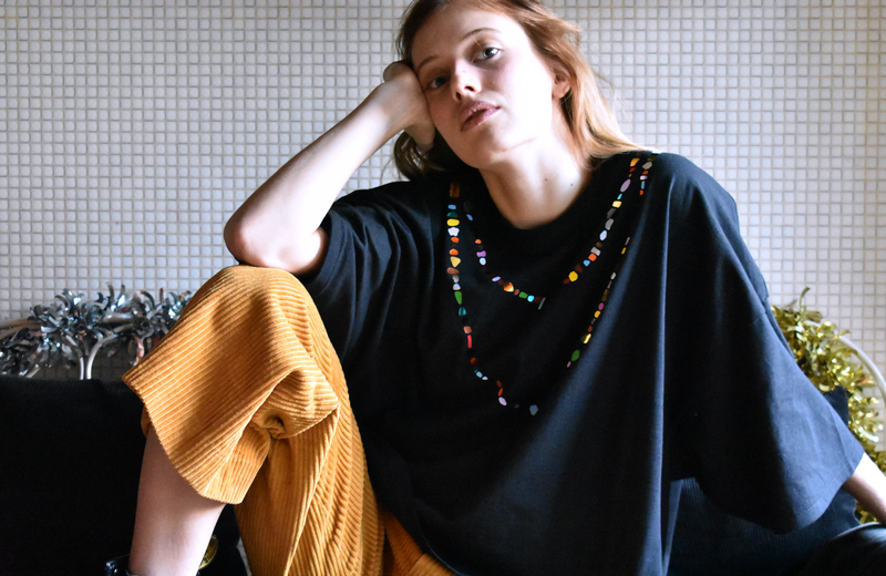 HIPPIE NECKLACE - oversized t-shirt - LB2 Studio