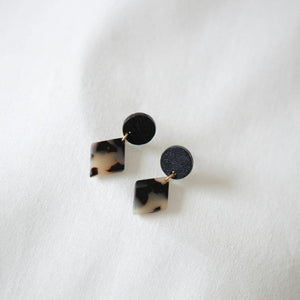 BLACK.03 EARRINGS