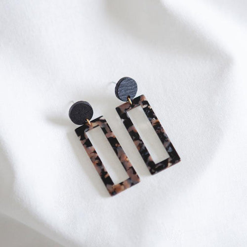 BLACK.05 EARRINGS