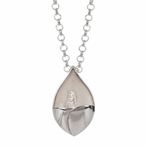 Lily pendant in solid silver - The Collective Dublin