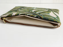 Monstera Maxi Clutch