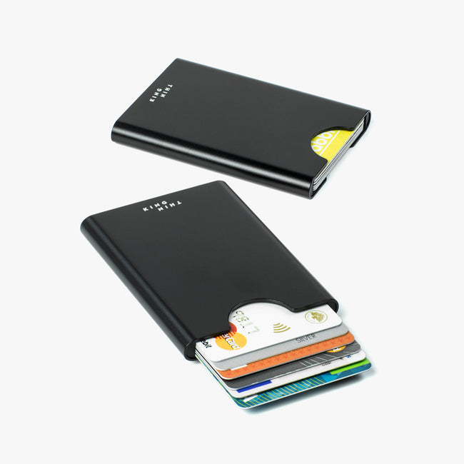 Black Thin King card case with 6 credit cards inside