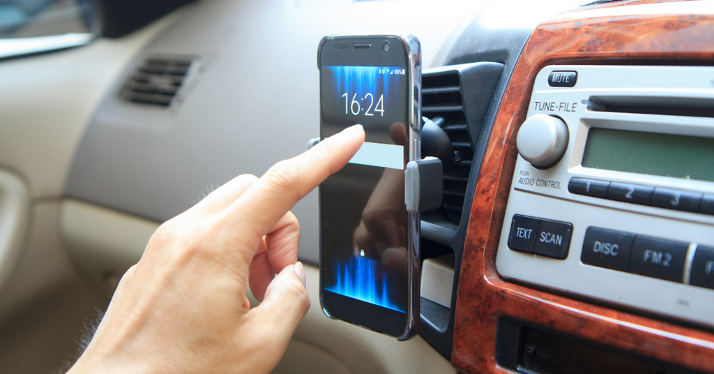 How to Increase Productivity With a Smartphone Holder