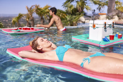Personal Floating Oasis - COCA-COLA® Red White & Coke