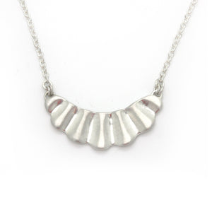 Scallop Necklace | Bright Silver