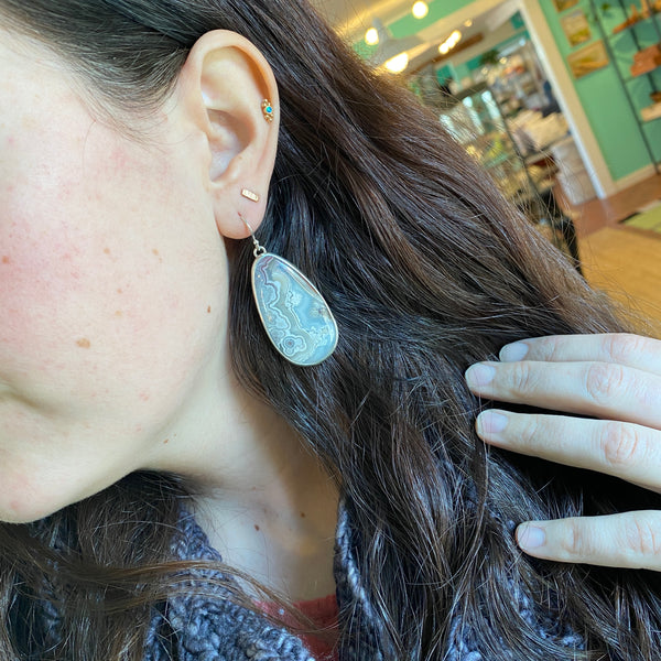 Grand Lace Agate Earrings