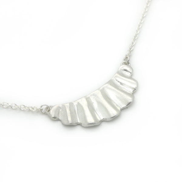 Mini Scallop Necklace | Bright Silver