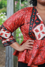 Load image into Gallery viewer, Péplum rouge blouse