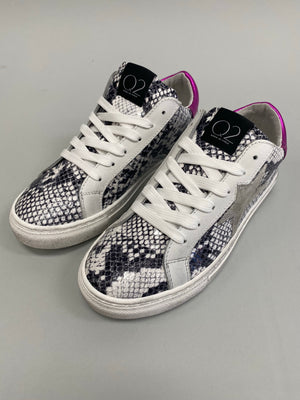 Metallic Pink Star Sneakers