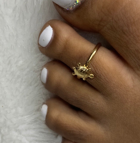 Gold plated turtle toe ring