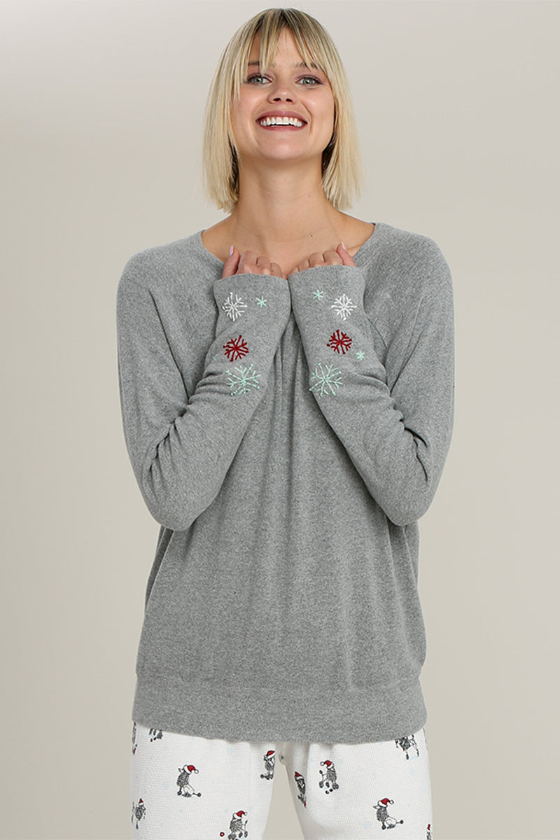 Raglan with snowflake emb