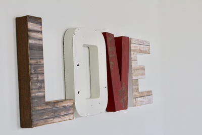 Farmhouse Love Sign