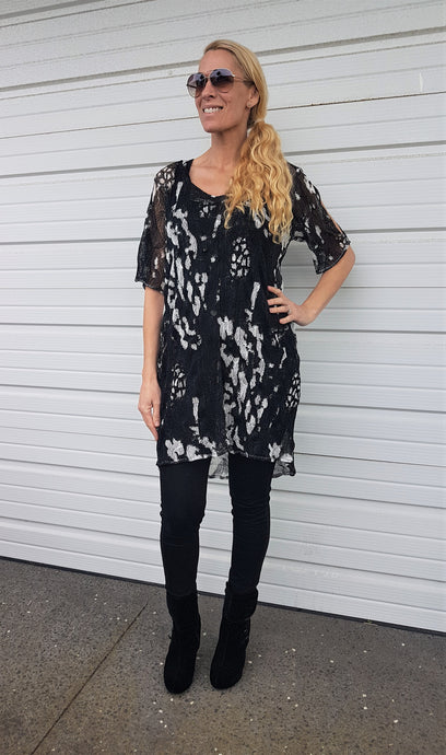 SPLASH CUTOUT TUNIC