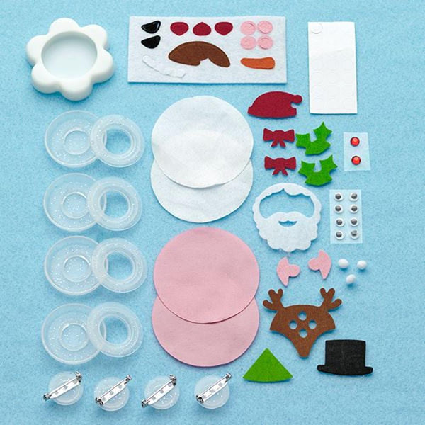 Midoco.ca: Creativity for Kids Christmas Button-Making Kit