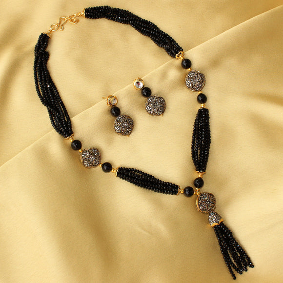 Imeora Exclusive Black Necklace Set with Earrings