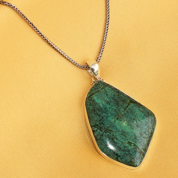 925 Silver Turquoise Pendant With 18 Inch Chain