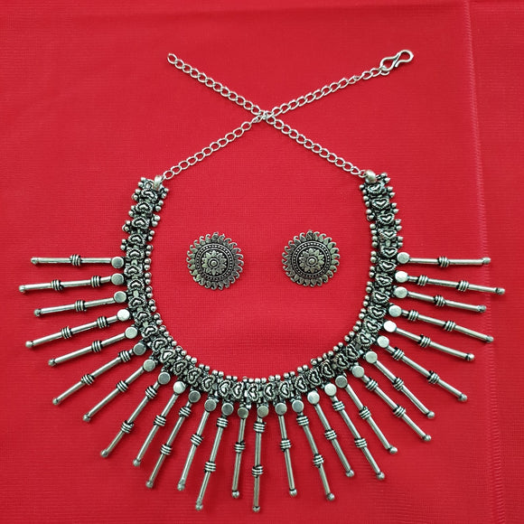 Imeora Tribal Choker Necklace With Stud Earrings