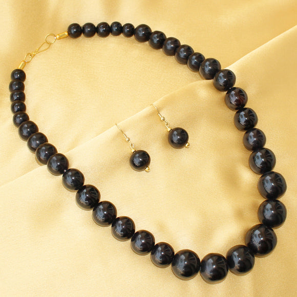 Imeora Black Round Beads Necklace Set