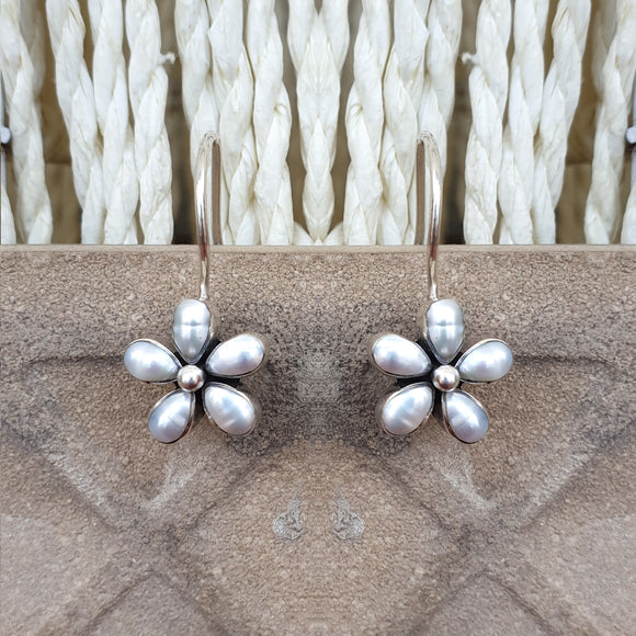 925 Silver Light Weight Pearl Flower Earrings