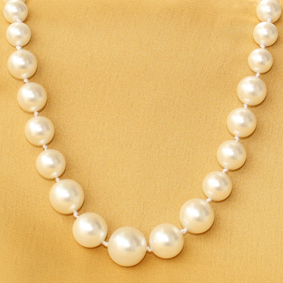 Imeora Exclusive Graduation White Shell Pearl Necklace