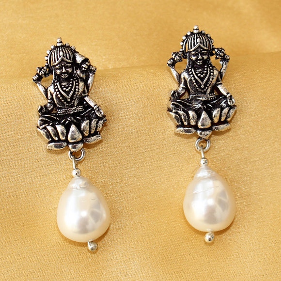 Imeora Laxmi Earrings With Shell Pearl