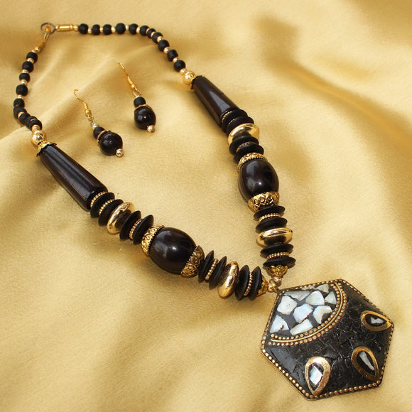 Imeora Tribal Black Hexagon Necklace Set